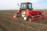 Počela setva pšenice, kiša ratarima kvari posao